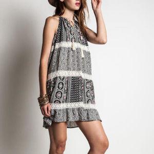 Umgee Trapeze Tunic Dress Tassel Trim Size M